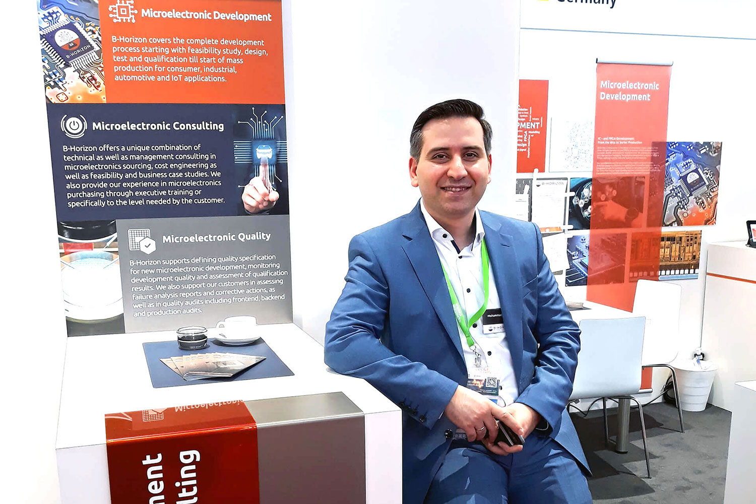 Founder and CEO Mohammad Kabany at B-Horizon's booth at the SEMICON China. The SEMICON China takes place in the global metropolis Shanghai every year. This fair is considered as the biggest trade fair in the fields of electrical engineering, semiconductor technology and energy industry worldwide.