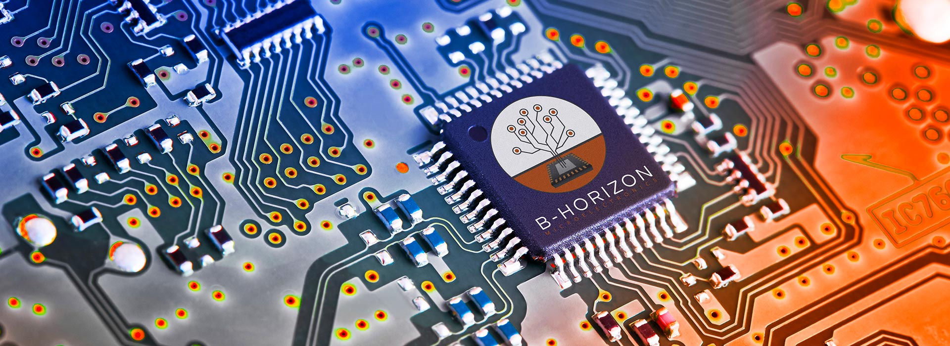 Microchip on a circuit board (also known as PCB: printed circuit board) from microelectronic development. B-Horizon Microelectronics supports its customers with the development of innovative products and successfully realizes projects with high quality standards.